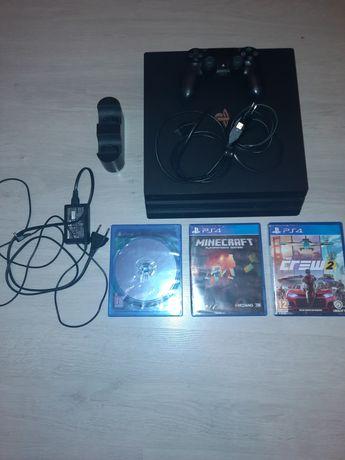 PlayStation 4 Pro + Incarcator controller + 3 jocuri