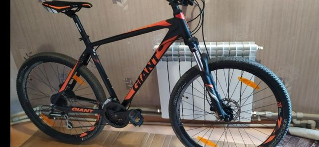 Продам фирменный велосипед GIANT