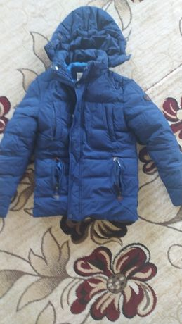 Продам подростковую мальчиковую зимнюю  куртку в отличном состоянии