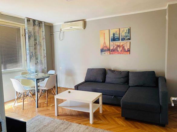 Двустаен луксозен апартамент ПОД НАЕМ