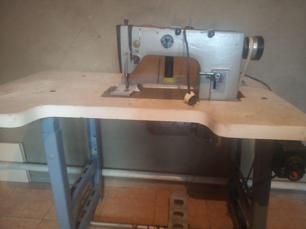 Швейная машина 1022 м