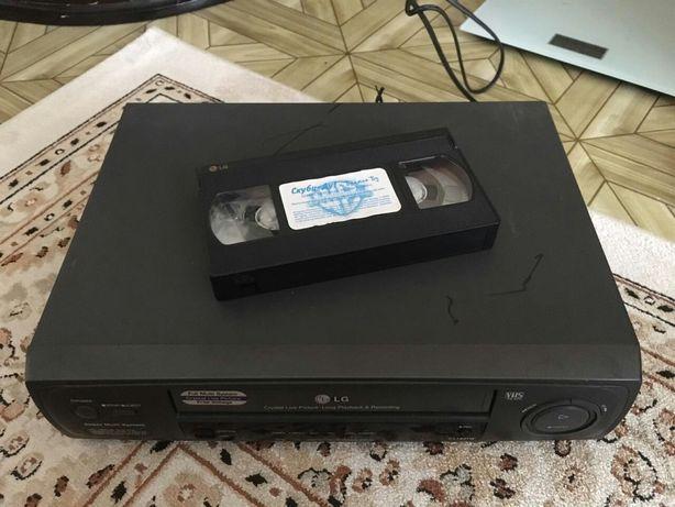 Продам DVD LG