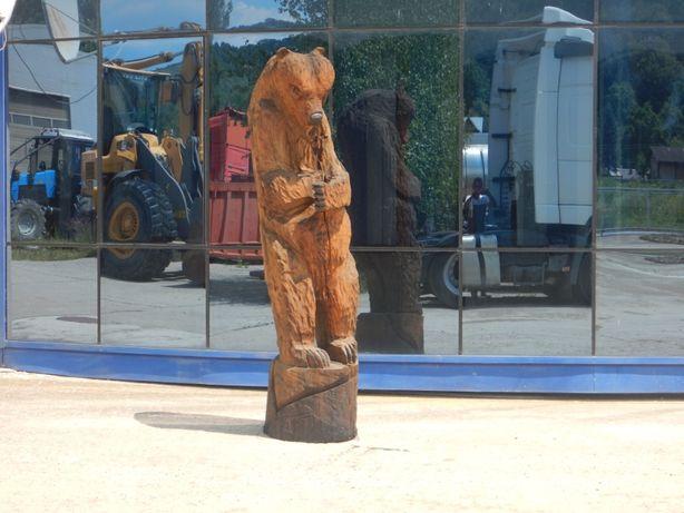 Sculpura cu drujba, din lemn de stejar