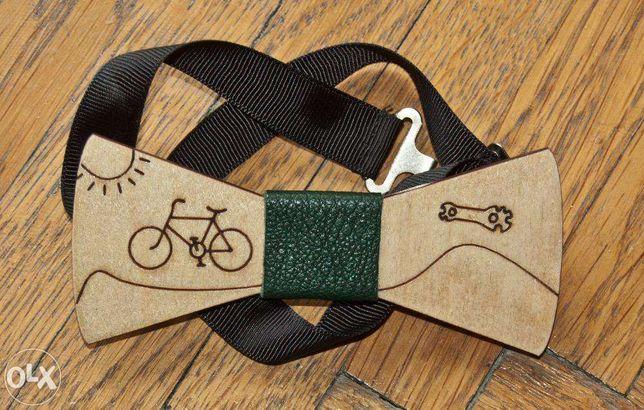 """papion din lemn """"cu bicicleta la mare"""""""