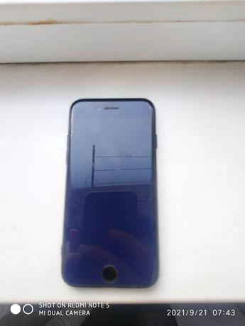 Продаю айфон 7 32 гига  в хорошем состоянии