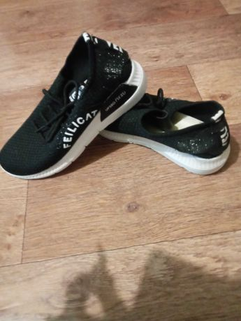 продам кроссовки,новые, р-р 38
