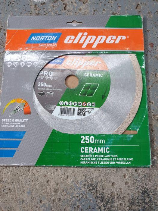 Vând disc mașină taiat gresie NORTON CLIPPER de 250 mm. Timisoara - imagine 1
