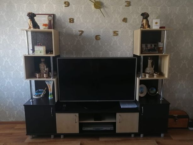 Продам шкаф под телевизора