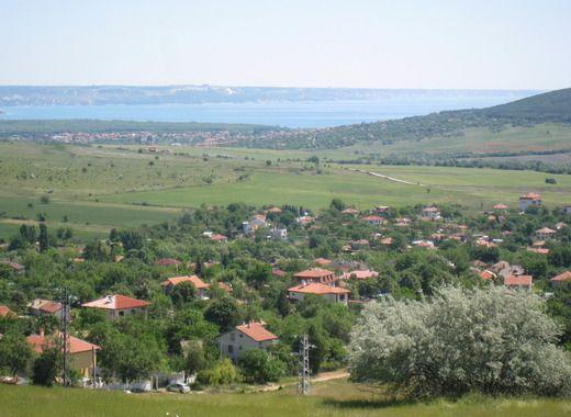 Парцел 4 673 м2 с. Осеново, Варна