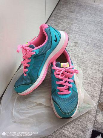 Adidași dama Nike pantofi sport măsura 36,5