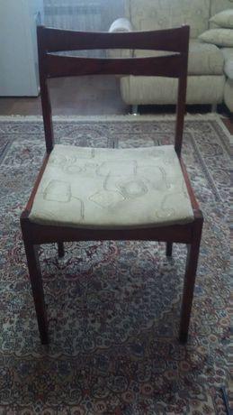 Продаются 4 стула