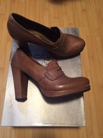 Pantofi mai multe modele