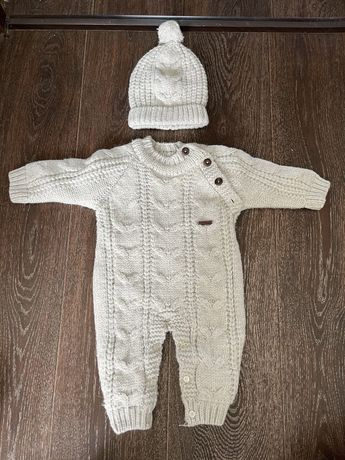 Продам детский вязанный костюм