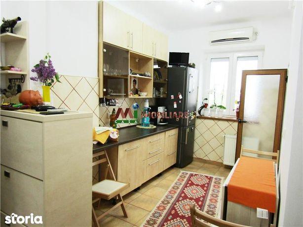 Apartament renovat,semi mobilat ,zona Ciucas