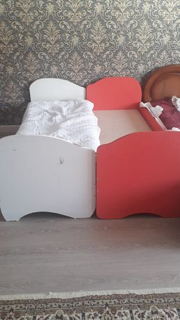 Детскии кровать и камод шкаф