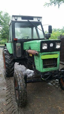 Vând tractor U 650 cu utilaje