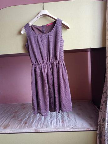 Платье . Коричневого цветамв горошек. Летние.  Легкое