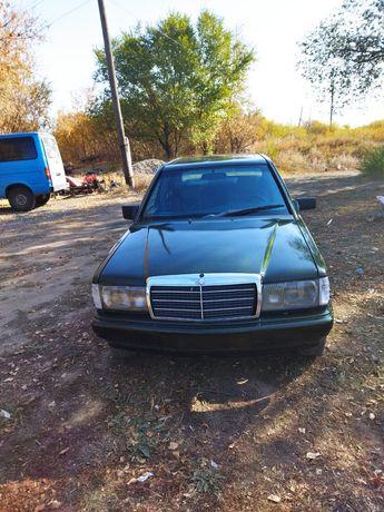 Продам машину Мерседес 190