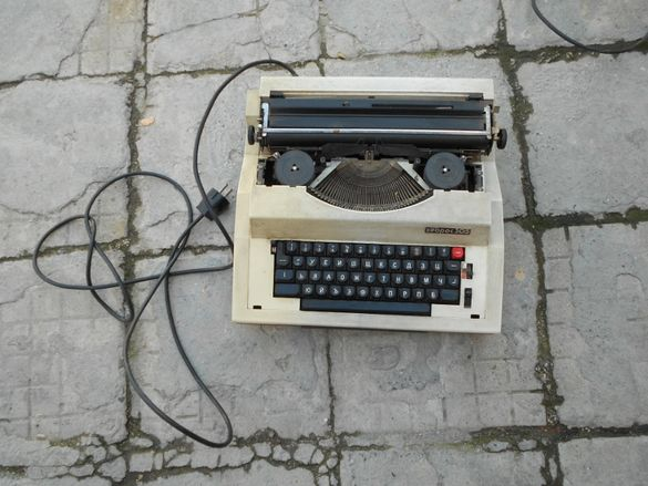 Пишеща машина Хеброс 305