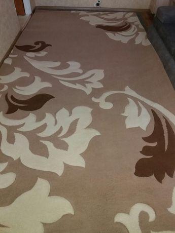 Продается ковёр 2×4