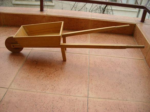 Детска дървена количка