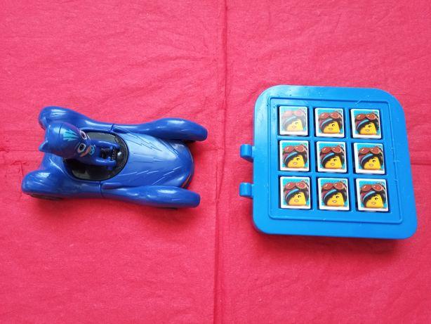 2 jucarii( masinuta  si  joc cu figurine )
