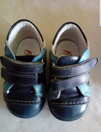 Обувки и сандали за момче 20 номер