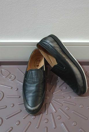 Продам кожаные слипоны казахстанского бренда Evo, 38 размер