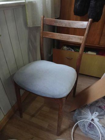 Стул советский свеже перетянут , стул крутиться железный срочно