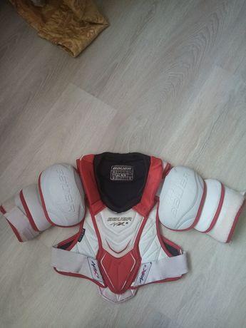 Продам ТОПОВЫЙ хоккейный нагрудник Bauer APX 2