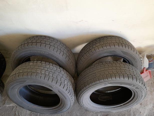 Зимние шины без шипов Dunlop Graspic DS3 215/65 R16