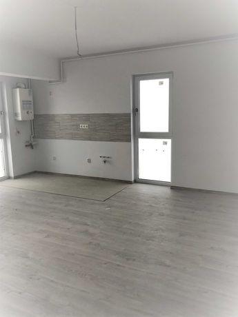 Apartament 3 camere decomandat. Finantare rapida