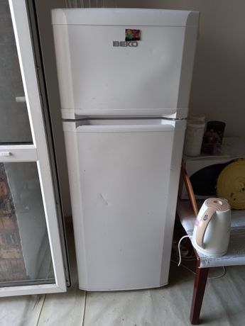 Б/у холодильник,белая,ВЕКО