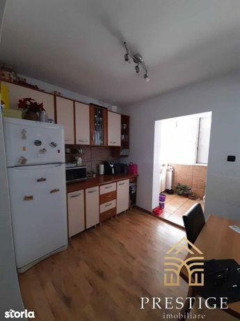 Apartament 3 camere de vanzare in Rogerius, Oradea