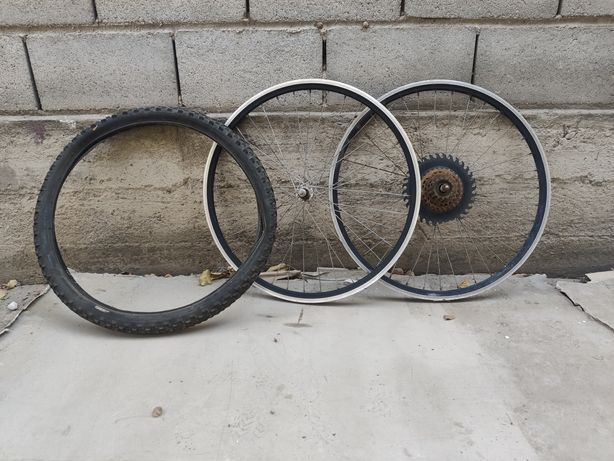 Колёсные диски для велосипеда передний и задний. Размер 26 + шина 24