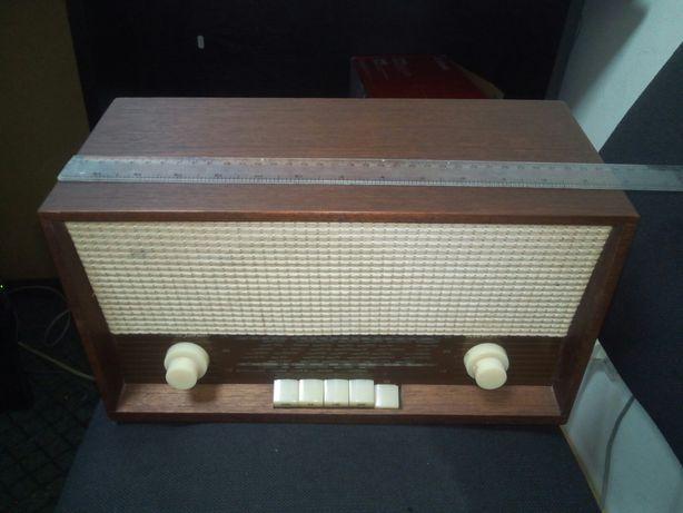 Radio vintage Lampi loewe junior