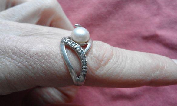 Сребърен дамски пръстен с перла - нежна, изящна изработка! КРАСОТА!