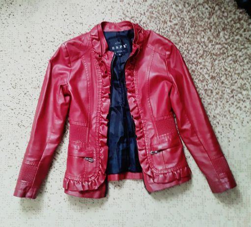 Кожаная куртка на девочку