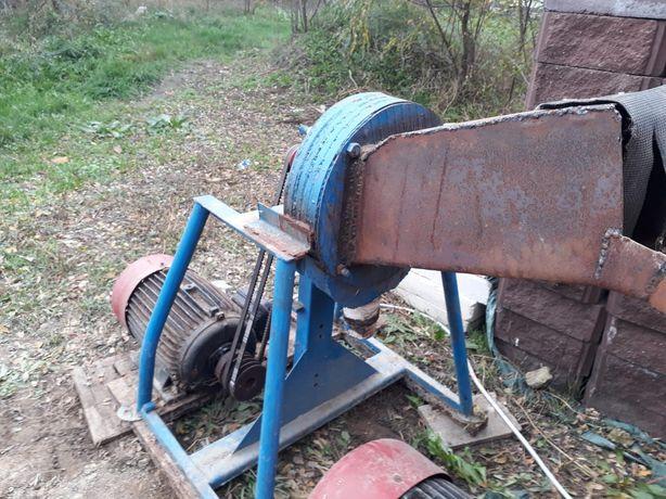 Tocator furaje cu motor 10 kw