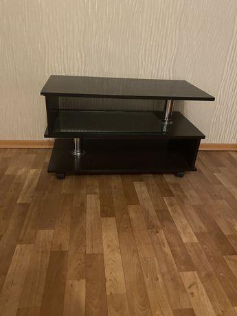 Журнальный столик / стол под телевизор