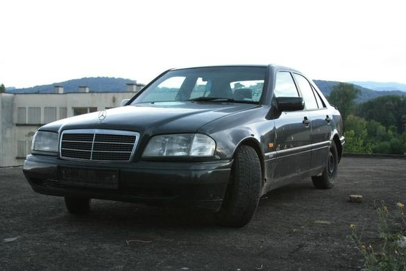 Mercedes W202 C220D 95к.с. на части