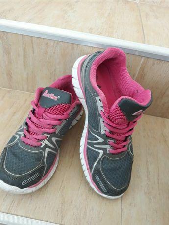 Спортни маратонки