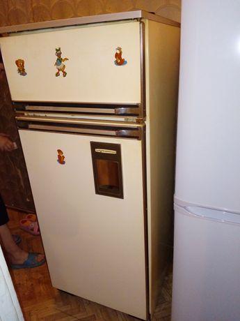 """Продам Холодильник""""Бирюса""""наЮбилейной"""