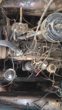 Продам Двигатель зил 130