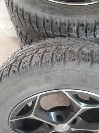 Зимние шины с титановым дисками от Toyota urban cruiser