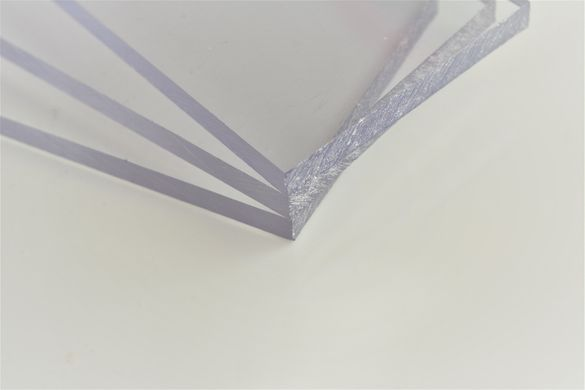 Плътни поликарбонатни плоскости с УВ защита, цял лист или на парче