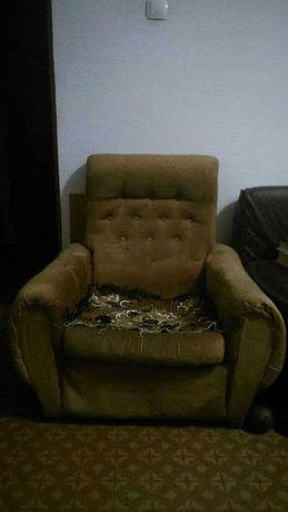Кресло мягкое, в гостиную