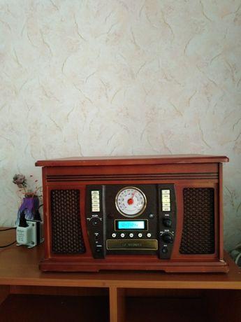 Грамофон, радио, CD и касетофон в едно!