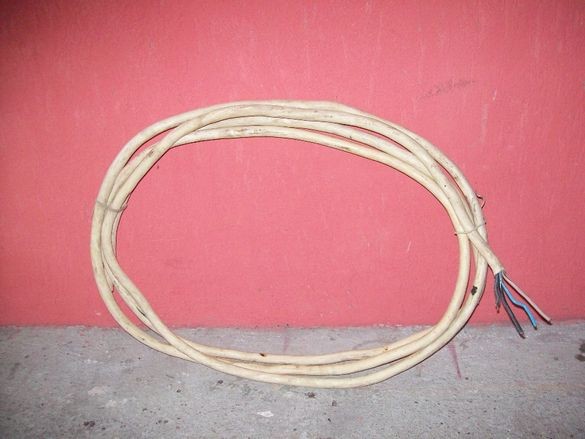 Продавам кабел 6м - 18лв.