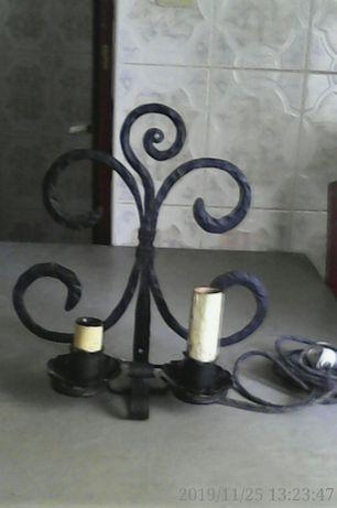 Vând set de 2 Lămpi de perete și 2 suporturi lumănări, din fier forjat